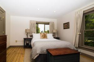 birch-room-bed